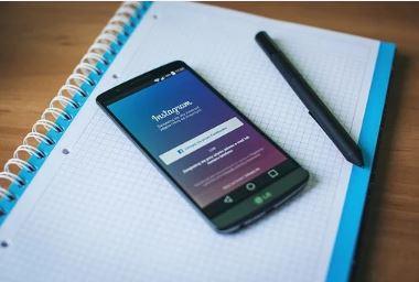 como subir varias fotos en una historia de Instagram