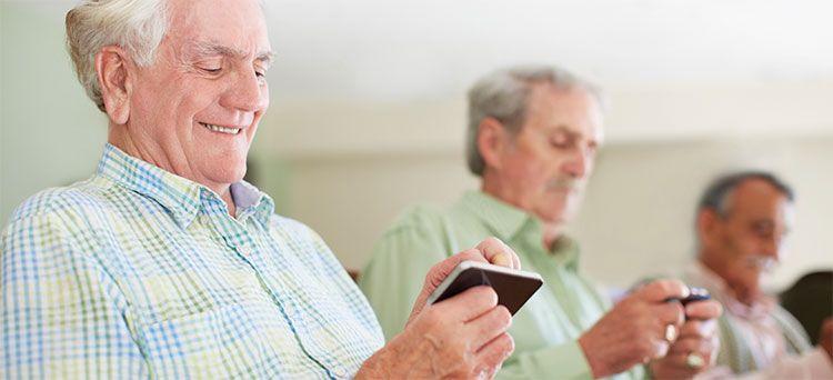 Apps para mayores: cuáles son las más útiles